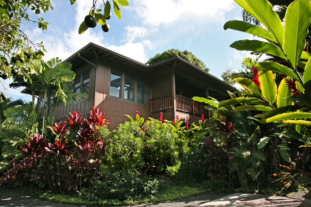 Hanalei Waterfall House