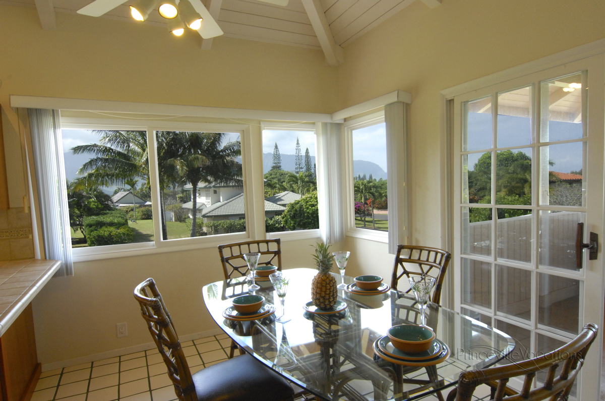 Princeville-Vacations Sunset Dining Room with Mountain View