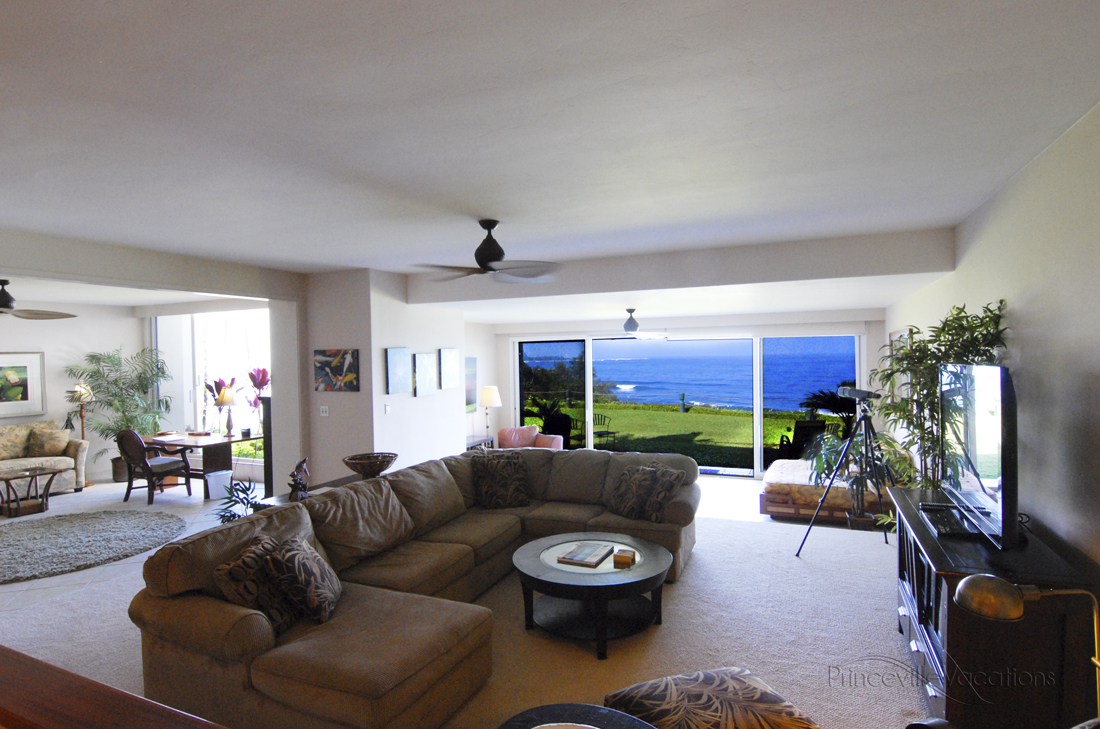 Princeville-vacations.PuuPoa110.livingroom.ocean.view