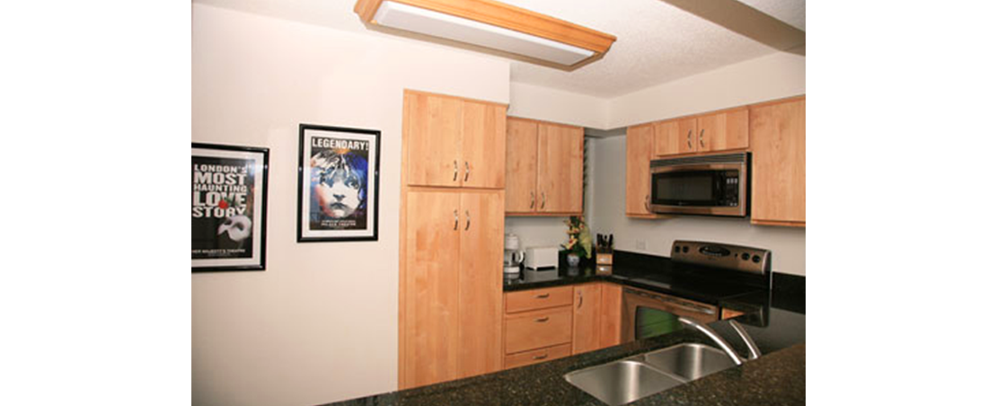 p_15-princeville-kauai-vacations-puupoa-211-kitchen.2
