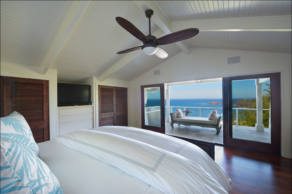 p_71-Princeville-Vacations.SecretBeachHale.bedroom.oceanview