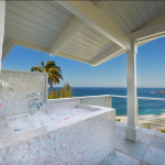 p_71-Princeville-Vacations.SecretBeachHale.outdoor.bath