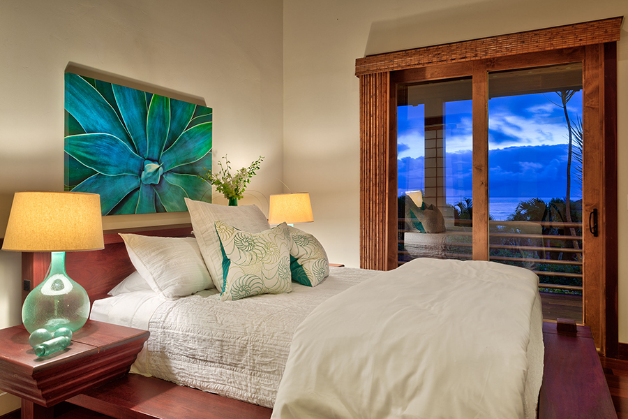 p_72-Princeville-Vacations.IkenaLani.ocean.view.bedroom