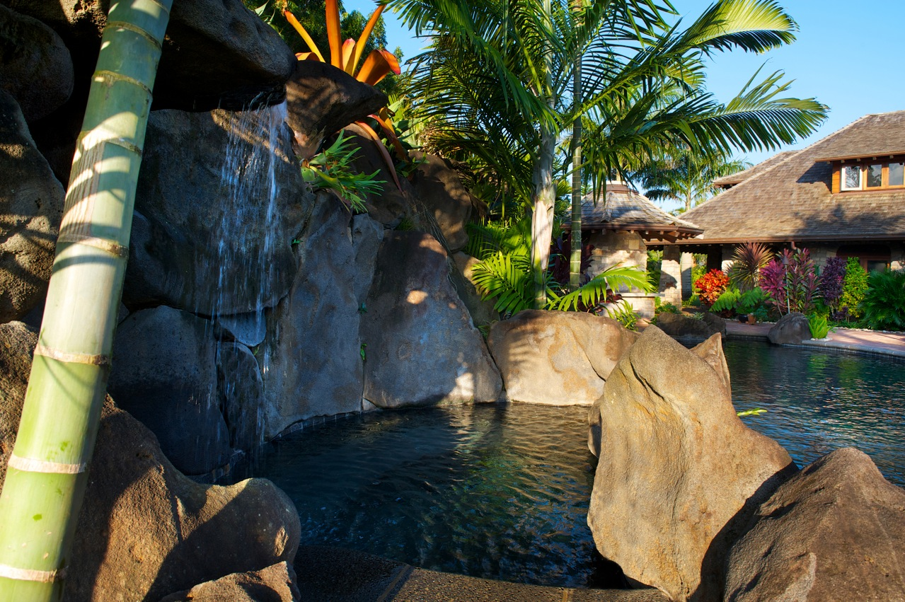 p_73-Princeville-Vacations.Anini.Vista.kellyhouse.jacuzzi.waterfall