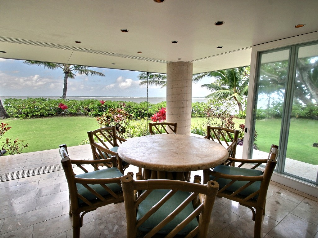p_76-Princeville-Vacations.AniniBeachFront.Oceanfront.breakfast