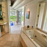 p_76-Princeville-Vacations.AniniBeachFront.masterbath