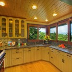 p_77-Princeville-Vacations.SeaSong_KaliliBay.kitchen.oceanview