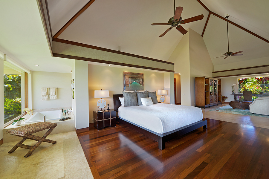 p_78-Princeville-Vacations.halenene.masterbedroom