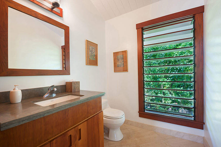 p_79-Princeville-Vacations.haleaku.bathroom