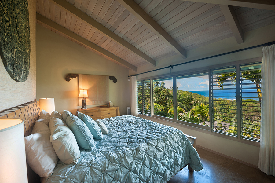 p_80-Princeville-Vacations.HaleOlalani.bedroom.oceanview
