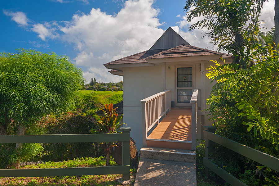 p_81-Princeville-Vacations.HanaleiBayVilla.Bridge