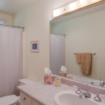 Princeville-Vacations.Golf.course.Bathroom-2