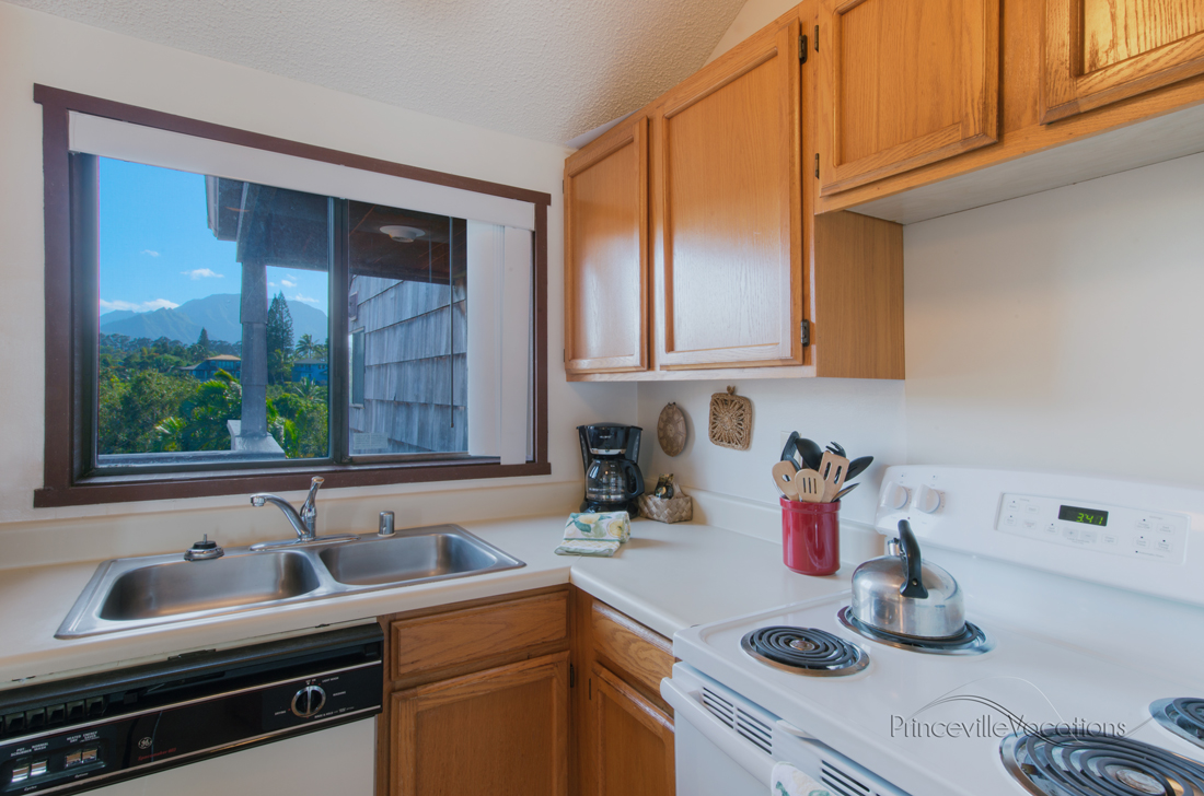 Princeville-Vacations.Sealodge.kitchen.mountain.view.Hawaii