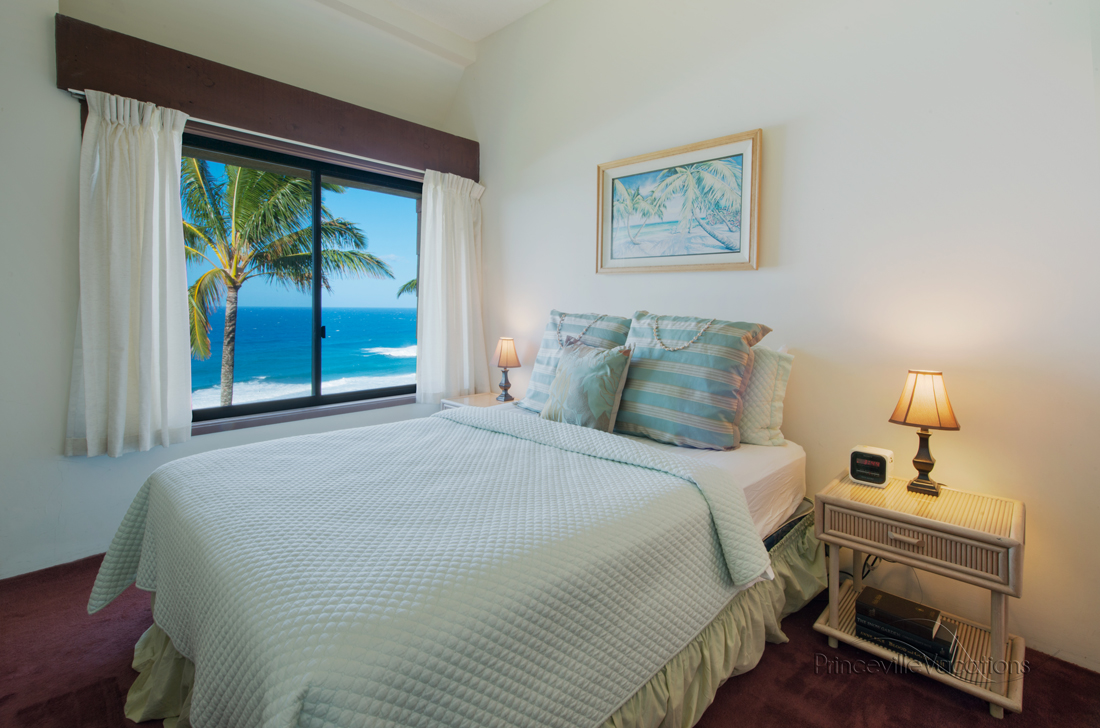 Princeville-Vacations.Sealodge.ocean.view.Hawaii.anini.reef.bedroom