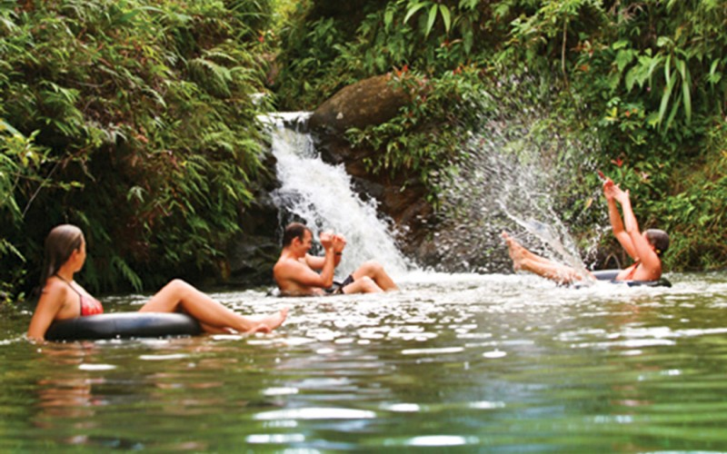 Princeville-Vacations.princeville_ranch_adventures.swim
