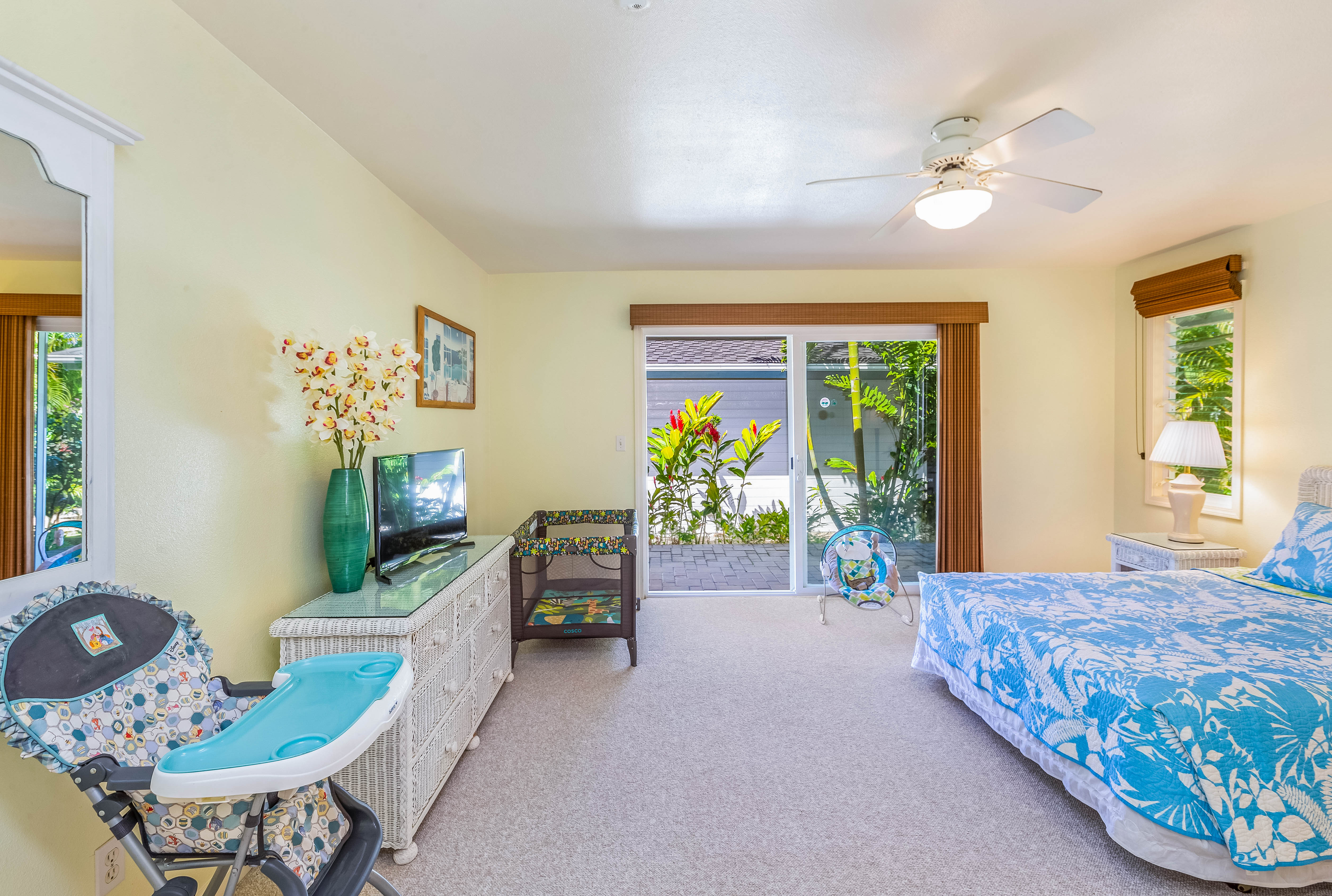 Princeville-vacations 4173 Liholiho Rd 3rd bedroom baby equipment
